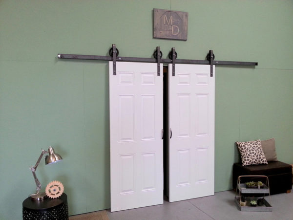 BARN DOOR HARDWARE KIT