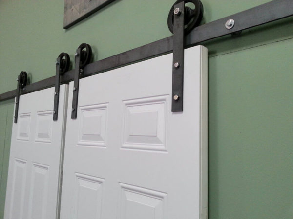 SLIDING CLOSET DOOR HARDWARE